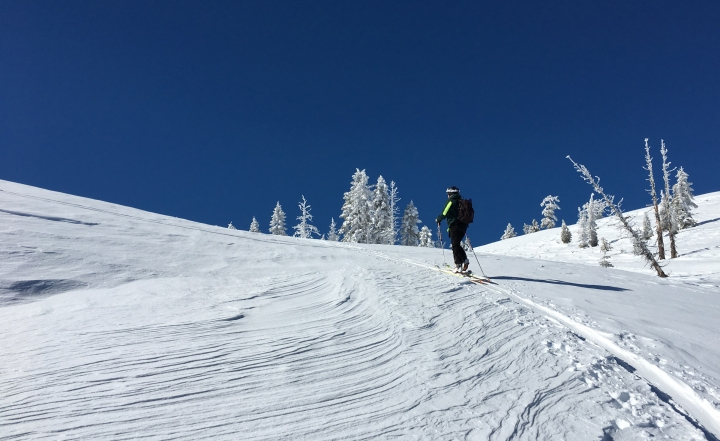 backcountry-ski-blue-sky