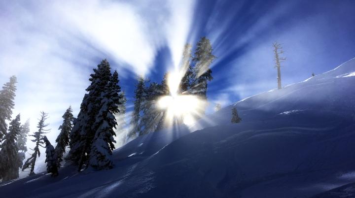 sun-starburst-ski